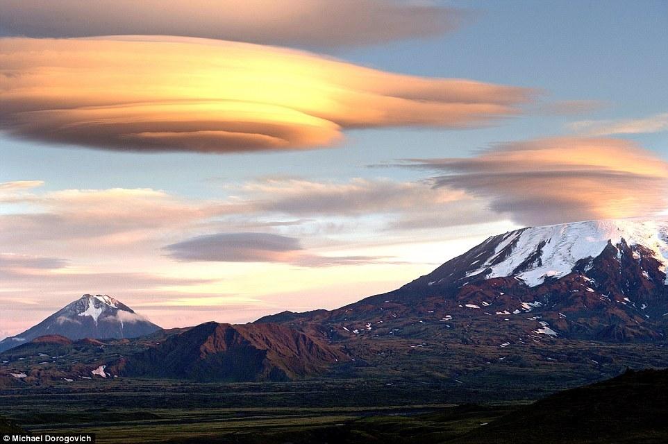 Природа шутит: облака, которые можно принять за НЛО