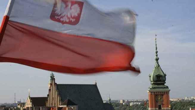 Польша закрывает консульства на Украине. Безвиз плавно переходит в войну?