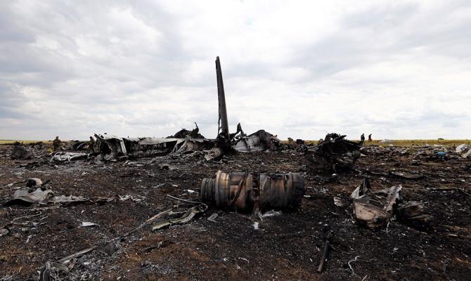 Над Луганском сбит самолет Ил-76 (фото №5)