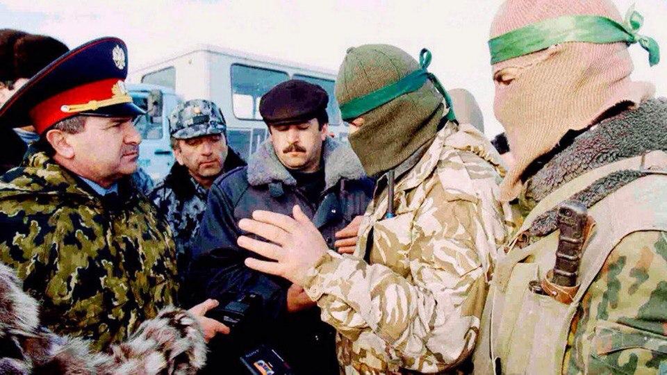 Переговоры с боевиками Радуева, село Первомайское, десятые числа января 1996 года