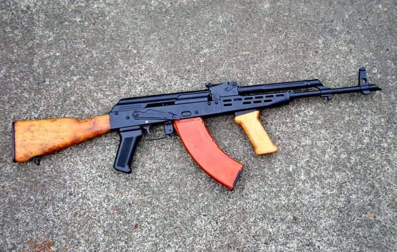 """АКМ-63: смогли ли венгры переплюнуть оригинальный """"Калаш""""?"""