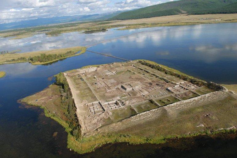 Крепость Пор-Бажын в Сибири.