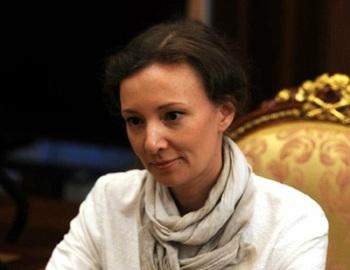 Кузнецова попросила наградить раненную при поножовщине учительницу из Перми