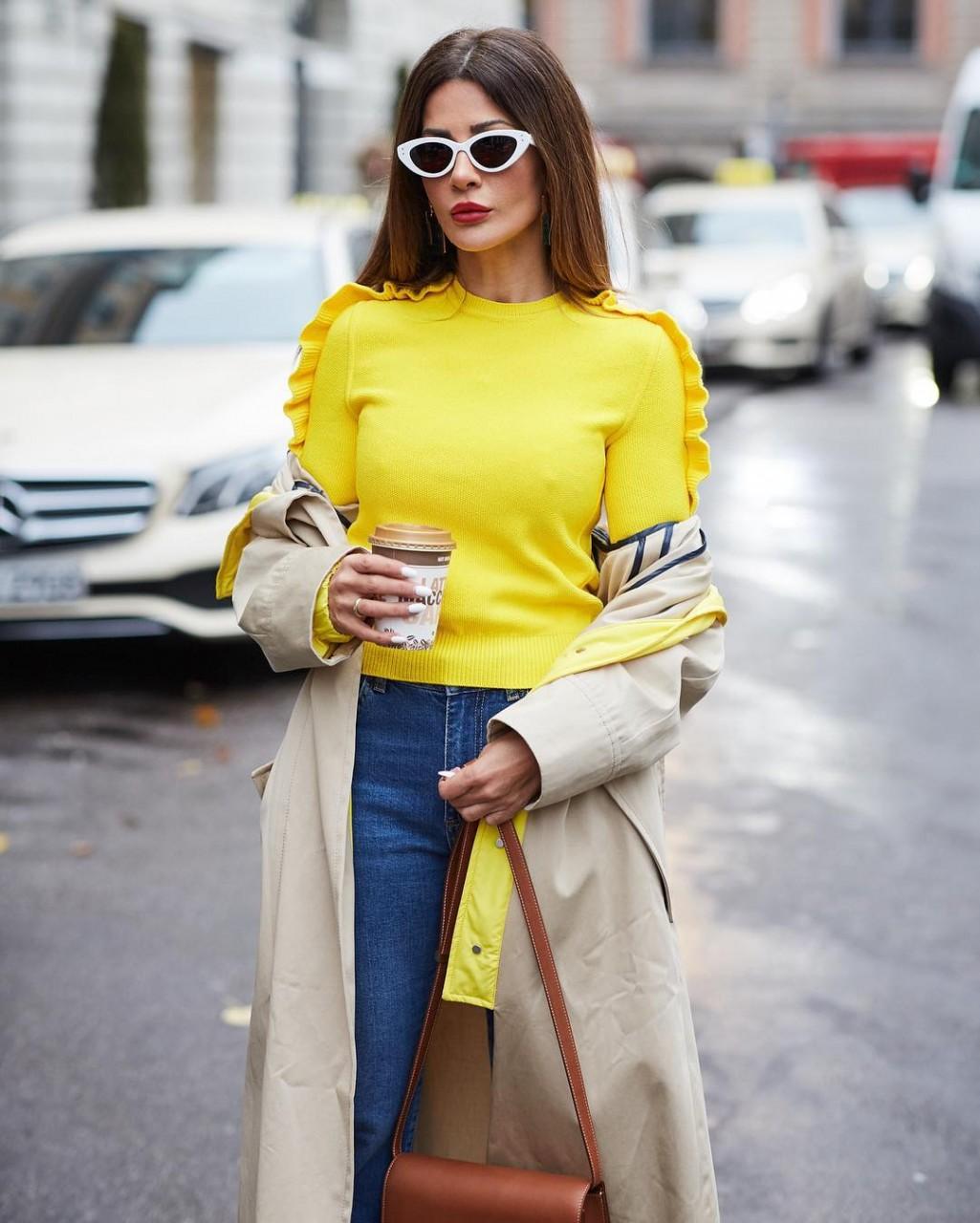 Цейлонский желтый: самые стильные и модные образы для зимы 2018-2019 года