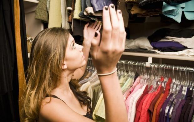 Как избавиться от моли в шкафу: на помощь придут народные средства