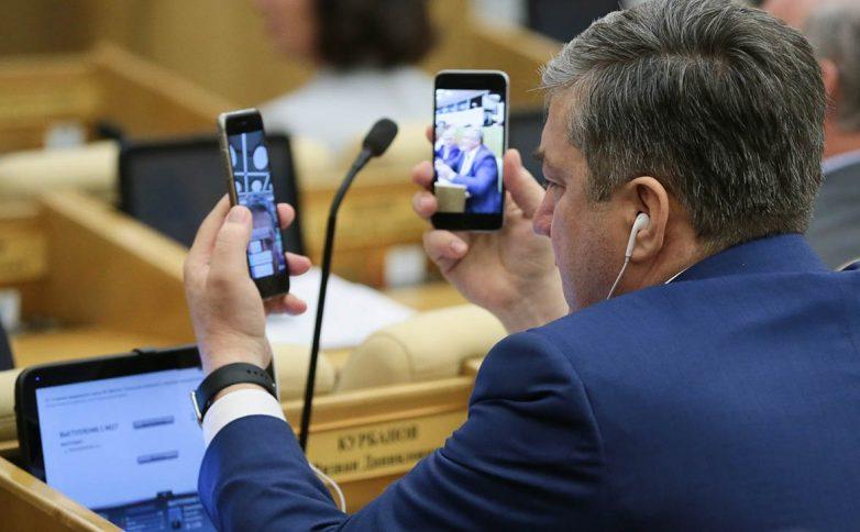 Операторы мобильной связи не выполнили требование ФАС об отмене роуминга в России