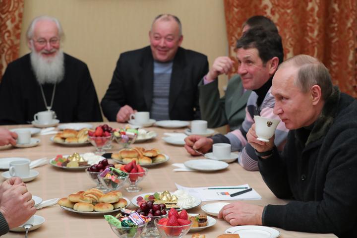 """""""Штирлиц никогда не был так близок к провалу"""": Путин,Рождество и рыбаки из ФСО"""