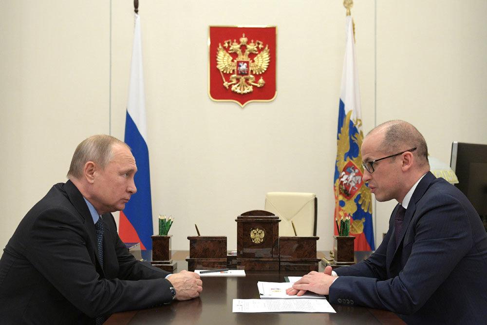Владимир Путин обсудил подготовку к юбилею Михаила Калашникова