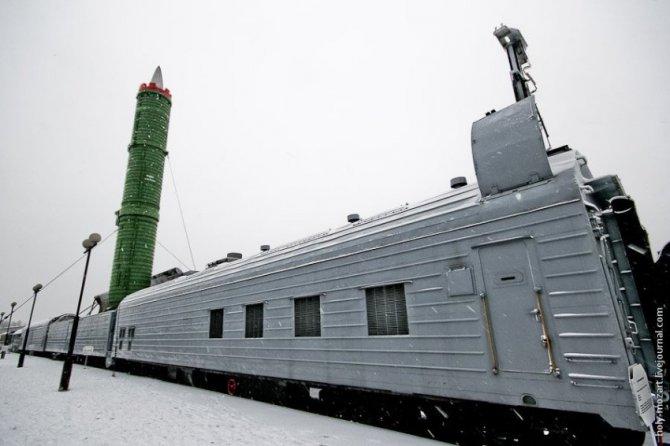 НАТО плачет: «Ядерный поезд» России выходит из депо