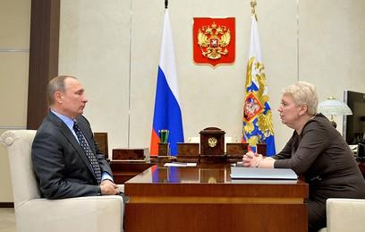 Глава Минобрнауки рассказала Путину об улучшении результатов ЕГЭ