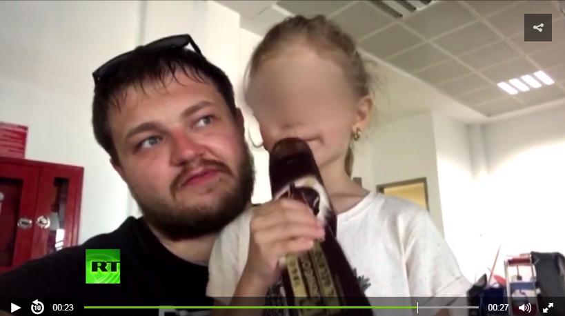 Опубликовано видео, где отец шестилетней россиянки, задержанной в Турции, благодарит Кадырова