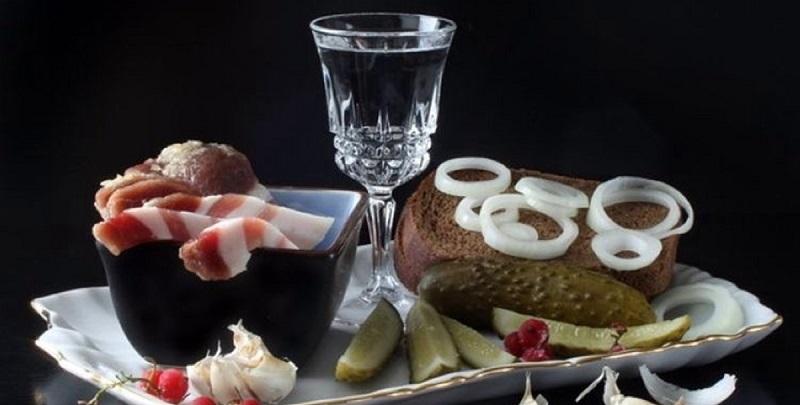 7 продуктов, которыми категорически нельзя закусывать крепкий алкоголь