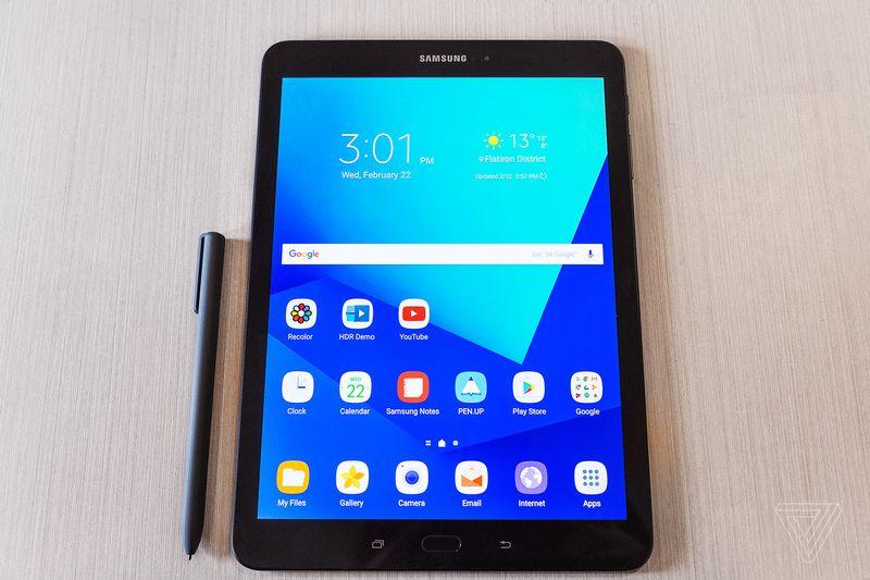 Samsung представила «убийцу» iPad Pro – премиум-планшет Galaxy Tab S3 со стилусом S Pen