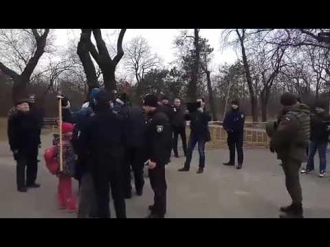 В Одессе произошли стычки у памятника Неизвестному матросу