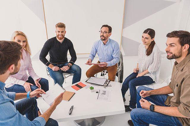 Как форма стола влияет на настрой сидящих за ним людей?