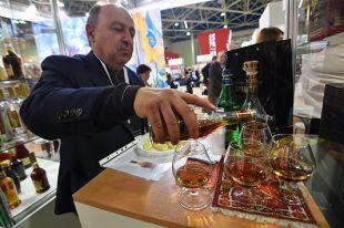 Сколько теперь в России будет стоить водка и коньяк?
