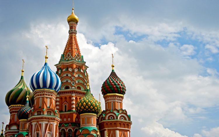 Деньги бросают якорь: инвесторы ищут спасение и стабильность в России