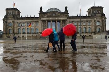 Минобороны удивилось заявлениям немецких политиков о макете Рейхстага