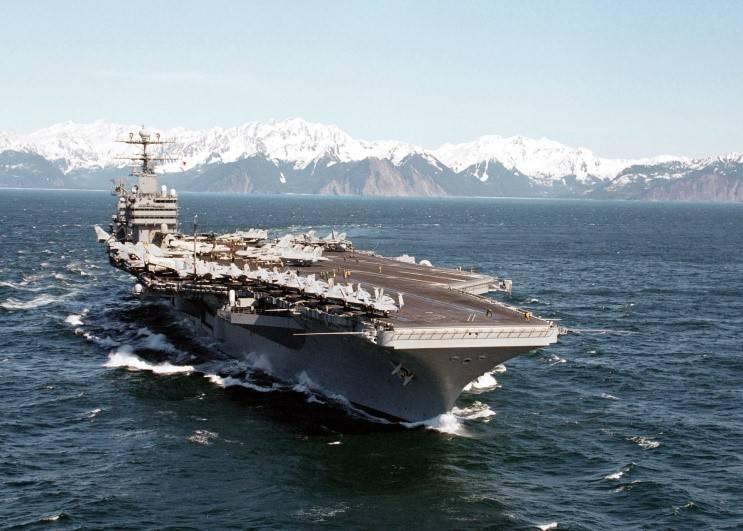 Атомный авианосец США «Авраам Линкольн» вышел в море после ремонта