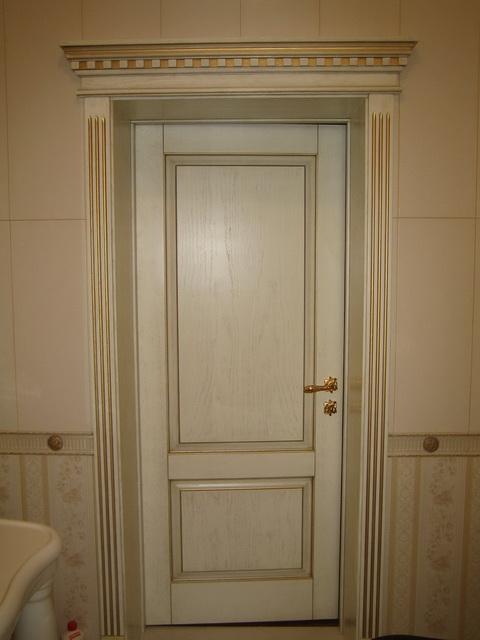 Дверь из шпона в белом цвете