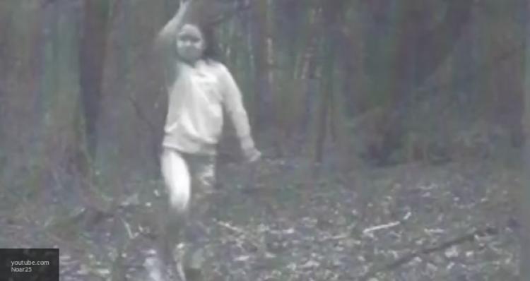 Не для слабонервных: призрак ребенка в заброшенной британской усадьбе попал на видео