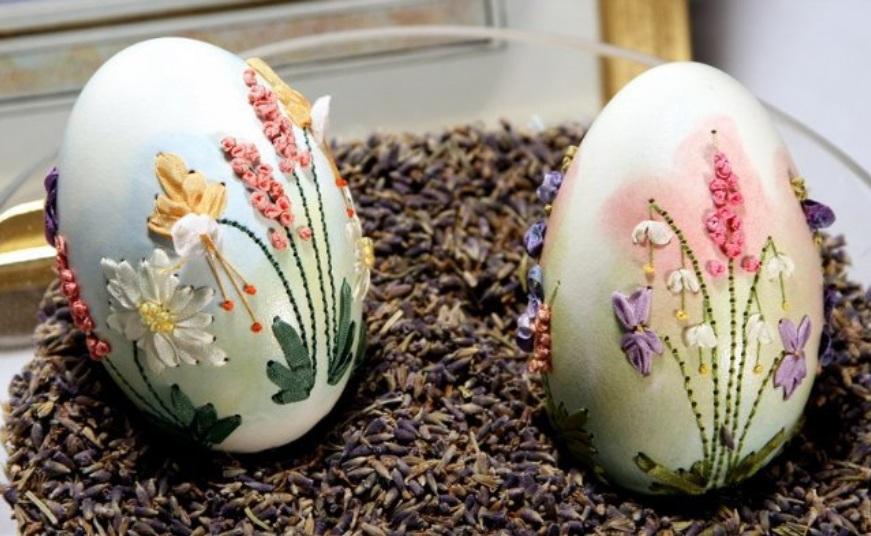Оригинальная и бесподобная вышивка на яичной скорлупе