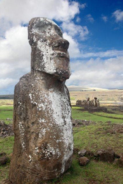 Скрытые тела статуй острова Пасхи