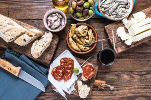 Креветки и тортилья. 3 интересных и простых варианта испанских тапас