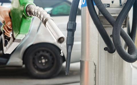 Ошибся с топливом на заправке? Есть новый «способ» откачки!