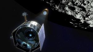 Космический зонд LRO провел год на орбите Луны