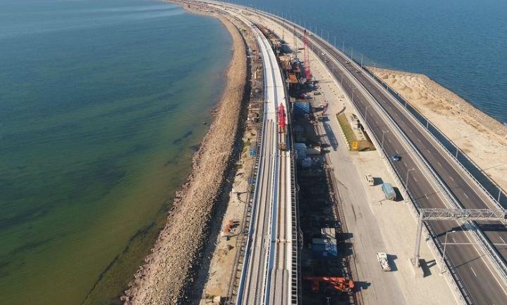 «Стройка века»: закончено сооружение опор железнодорожной части Крымского моста
