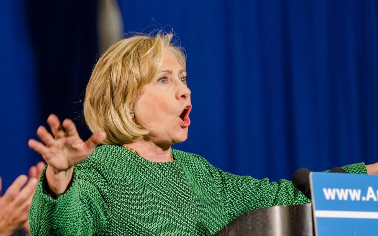 СМИ заявили о новом расследовании ФБР в отношении Клинтон