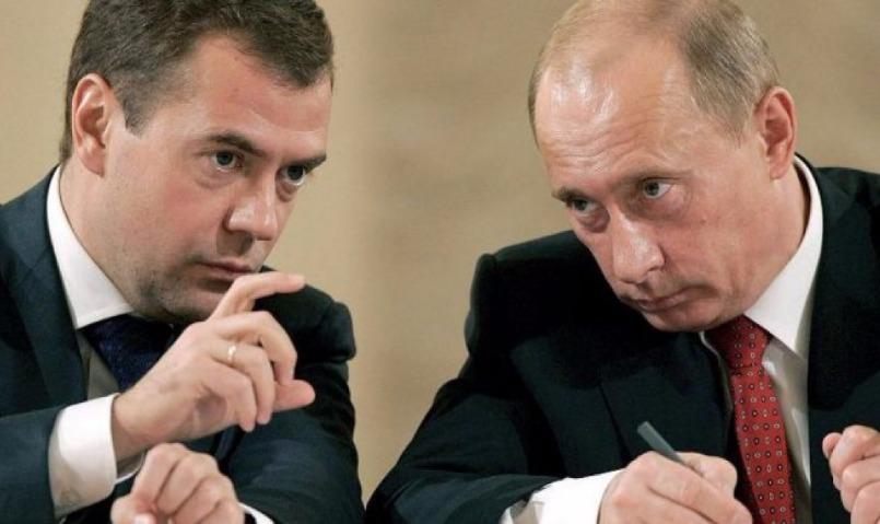 Деньги есть!: Медведев похвастался президенту России экономическими успехами