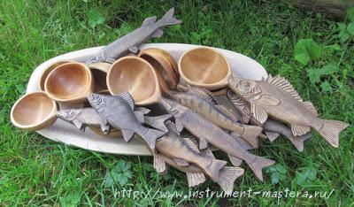 Деревянные резные ложки-поварешки для разливания ухи в подарок рыбаку