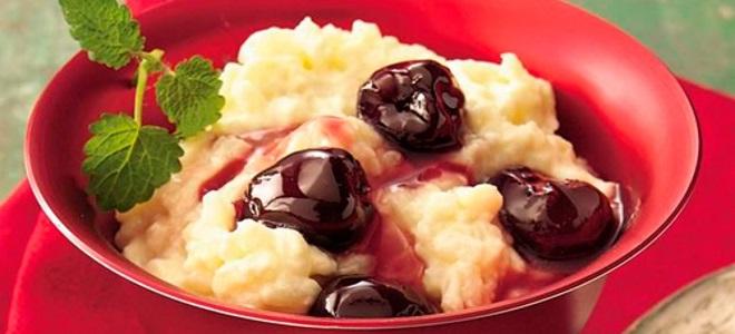 пудинг из риса с фруктовой подливкой