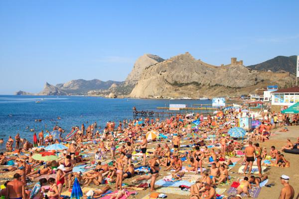 На Украине похвастались переполненной туристами Одессой перед Крымом.