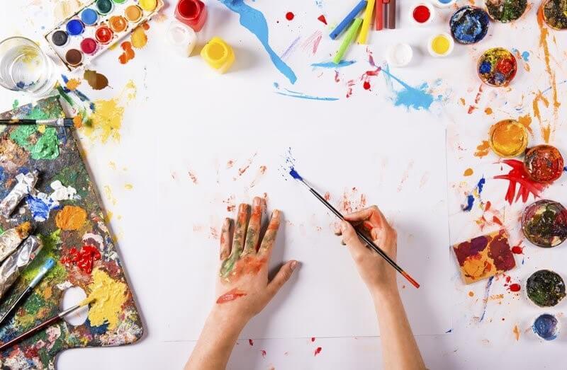 Как «лечиться» творчеством: самые эффективные методы арт-терапии