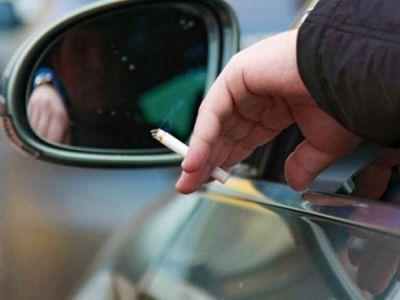 Вступили в силу штрафы за выброшенные из машины окурки