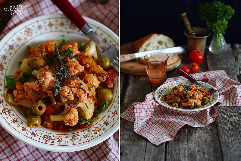 Цветная капуста с томатным соусом и оливками