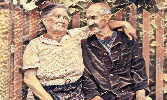 История которая меня поразила. Живут в нашей деревне двое пожилых людей, дед Сергей