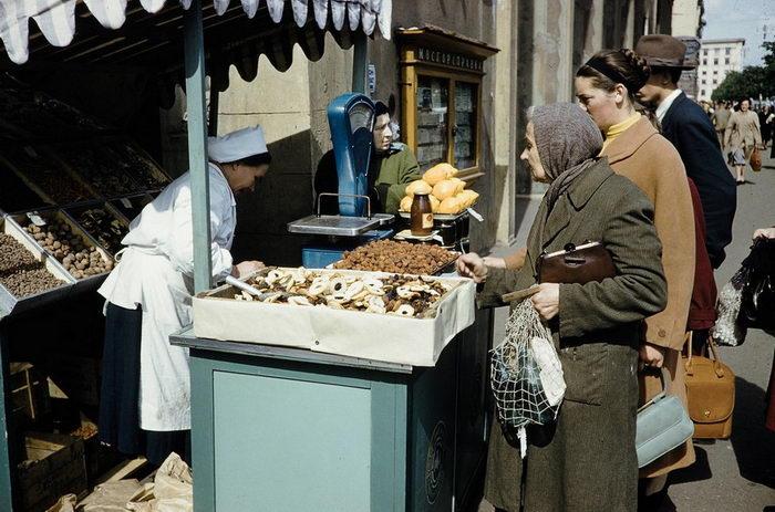 Торговля в СССР в фотографиях Harrison Forman