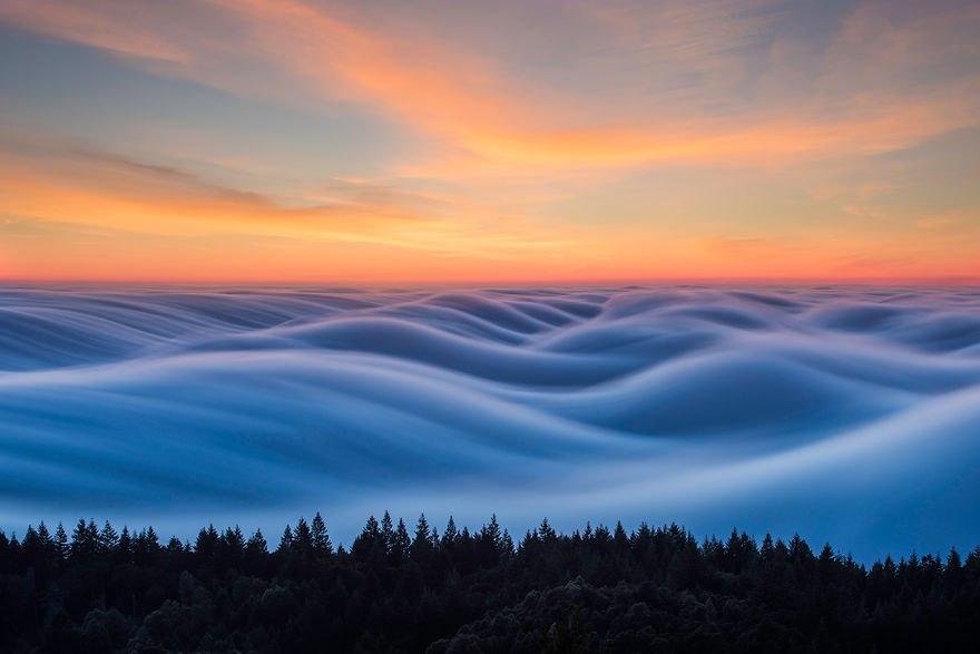 Умопомрачительные Волны Тумана Над Сан-Францизско,