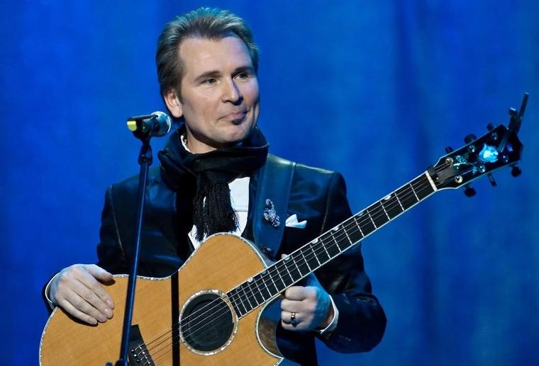 В соцсетях спорят из-за песни Малинина, которую он спел на украинском языке в Киеве
