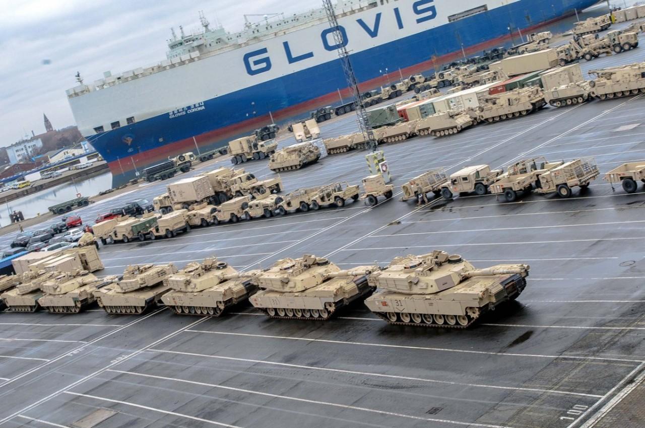 Офицер ЦРУ о танках США в Польше: театр мертвецов, который Россия разнесет за минуту