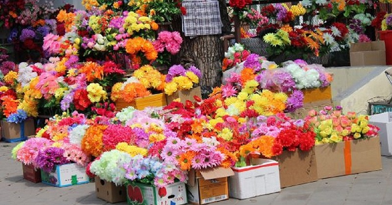 Пластиковые цветы - погибель для природы
