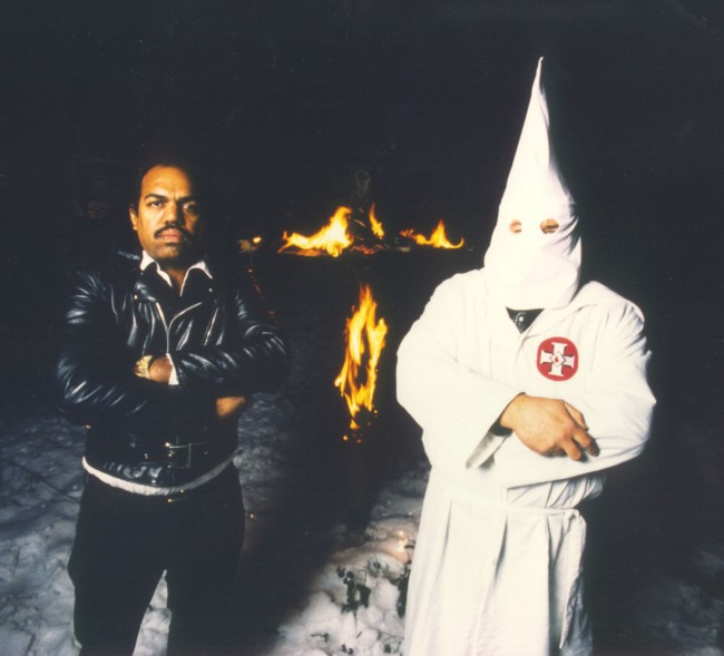 """Темнокожий герой убедил 200 человек выйти из """"ку-клукс-клана"""", просто подружившись с расистами"""