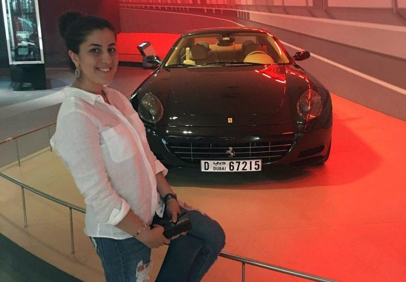 Сестер задержали при попытке купить Ferrari на украденные деньги