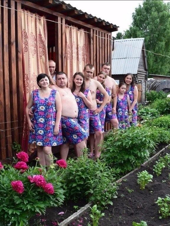 Купила бабушка рулончик бязи)
