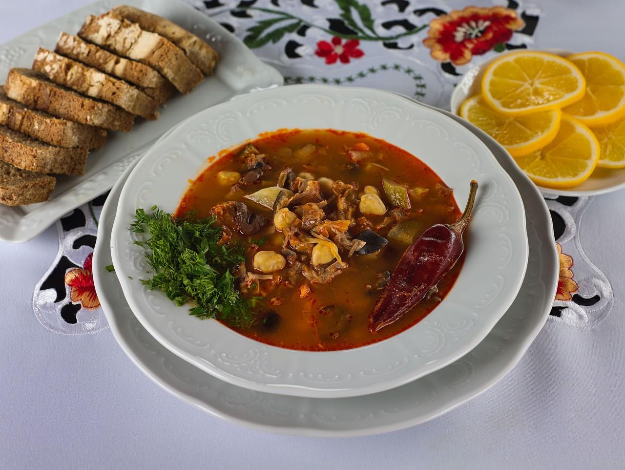 Солянка - барское блюдо?! Да не смешите! Это блюдо для тех, кто умеет готовить!
