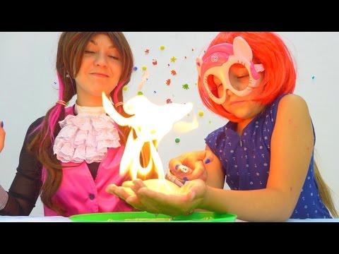Опыты для детей. Поджигаем мыльные пузыри! Дракулаура (Монстер Хай) и Пинки Пай.
